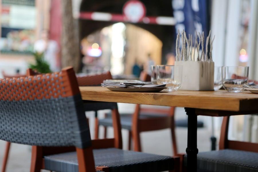 Jos useampikin kyseisen ravintolan asiakkaista äänestää jaloilla, niin kokilla ei luultavasti olekaan kohta enää kiire.